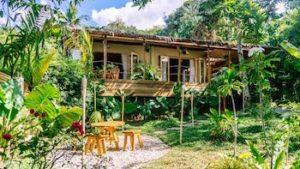 vue de la Sampaguita villa dans le jardin